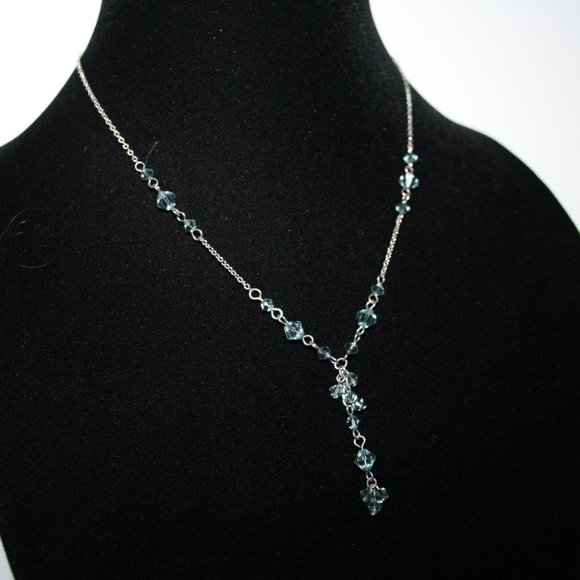 Beautiful silver and blue crystal necklace adjust